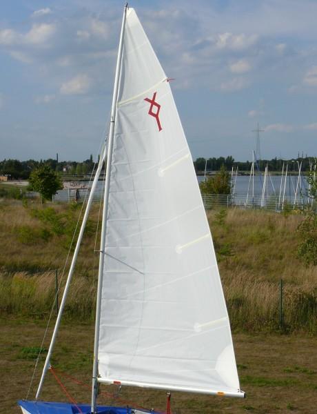 Touren-Großsegel 8,8 m² mit Segellatten und Klassenzeichen